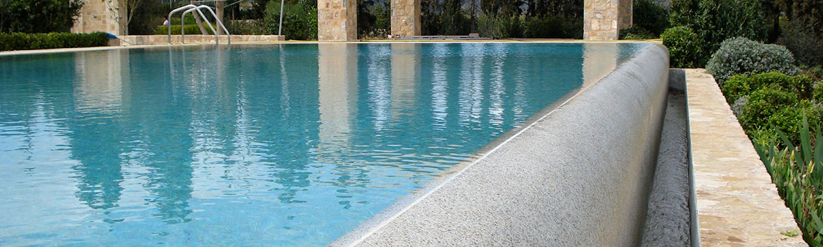 Swimming poll with Skypebble pebble crete finish