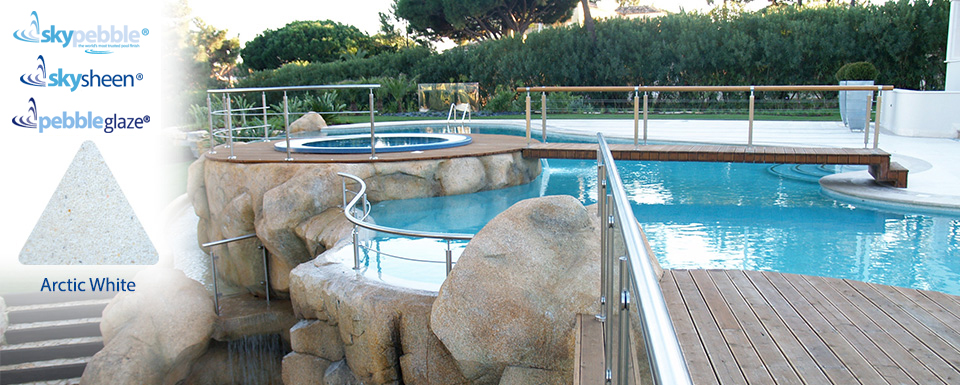 Commercial pool with Skypebble®'s Arctic White interior