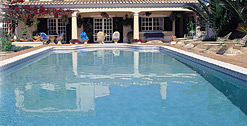 Skypebble® skysheen® Arctic White pool finish